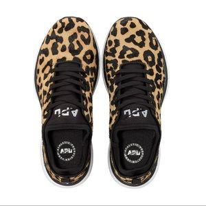 APL Techloom Phantom Leopard Sneakers, size 11 EUC
